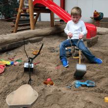 Baggern im Sandkasten